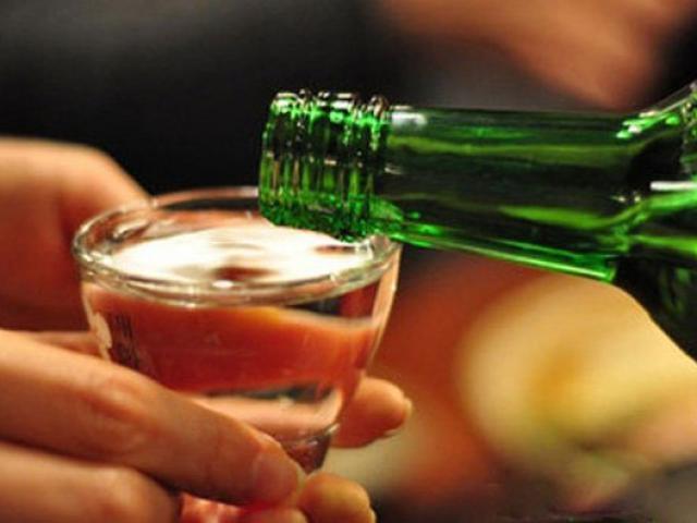 Nếu buộc phải uống rượu, đây là bí quyết để ít gây hại cho gan nhất