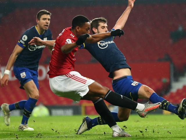 Điểm nóng vòng 22 Ngoại hạng Anh: MU & Man City mở hội, Liverpool sa sút chặng tourmalet