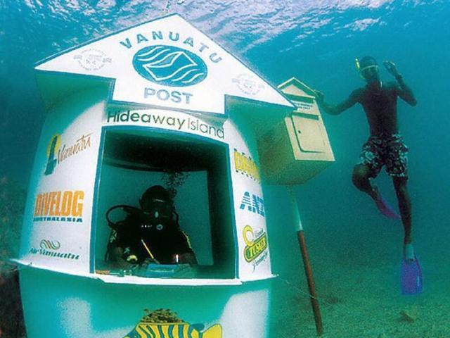 Sửng sốt trước những địa điểm này dưới nước, từ bảo tàng quân sự cho tới bưu điện