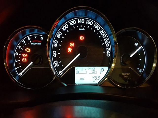 Tua đồng hồ công tơ mét ô tô và câu chuyện về lương tâm người bán xe