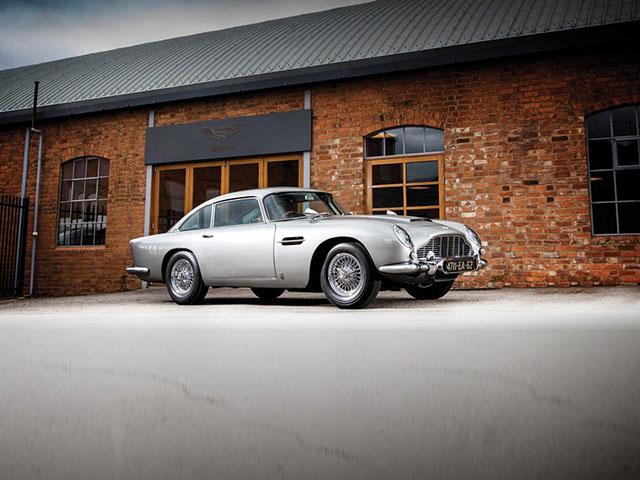 Siêu phẩm SUV Aston Martin DBX lộ ảnh nội thất cùng giá bán khoảng 4,6 tỷ VNĐ - 5