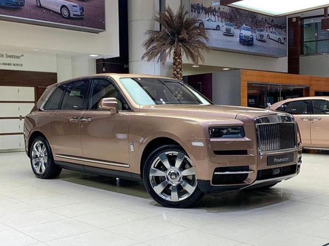 Rolls-Royce vén màn siêu phẩm Cullinan Black Badge, giá từ 382.000 USD - 8