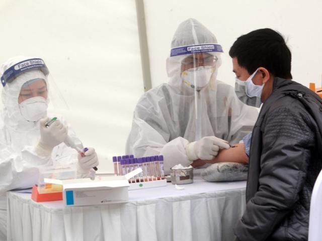 6 ca nghi nhiễm Covid-19 qua test nhanh tại Hà Nội đều âm tính
