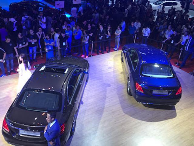 """Xe giảm giá hàng trăm triệu, thị trường ô tô vẫn """"tụt dốc"""""""