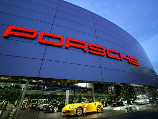 Nhân viên Porsche góp tiền thưởng vào quỹ chống dịch Covid-19