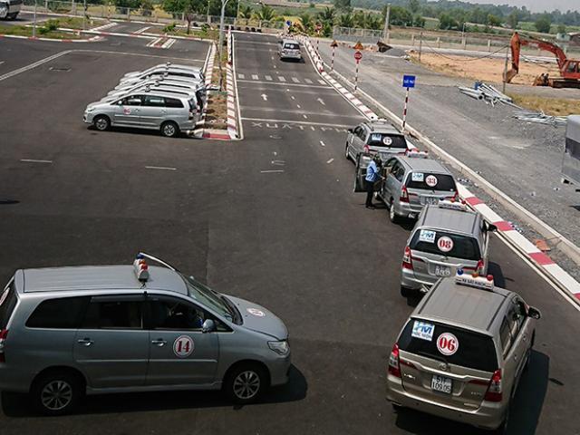 Bộ Công an muốn quản lý sát hạch, cấp giấy phép lái xe