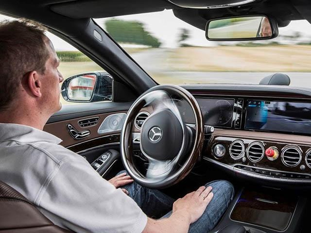 Ô tô ngày nay công nghệ và hệ thống điện tử chiếm 40% trên xe