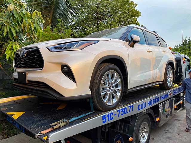 Toyota Highlander Limited 2020 đầu tiên về Việt Nam, giá gấp đôi Ford Explorer