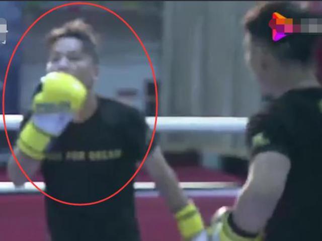 """""""Gã béo"""" ngông cuồng đòi hạ bệ Ronaldo, trở thành ông hoàng thể thao - 3"""