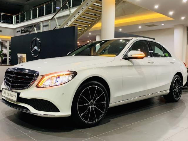 Giá xe Mercedes C200: Giá lăn bánh, hình ảnh, thông số kỹ thuật (6/2020)