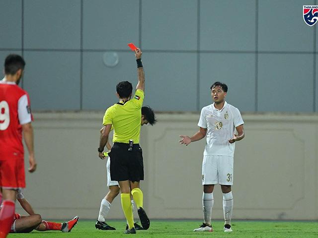 """ĐT Thái Lan và Indonesia """"công làm thủ phá"""", gây thất vọng trước vòng loại World Cup"""
