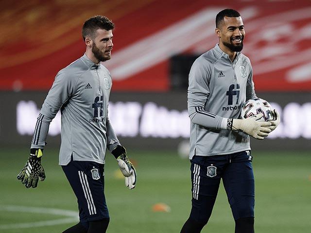 """De Gea dễ phải làm thủ môn số 3 cho TBN, """"người nhện"""" lạ gây sốc ở EURO"""