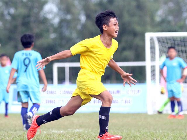 V-League nở rộ siêu phẩm: Tuấn Anh, Văn Quyết & dàn sao Việt Nam đua tài - 1