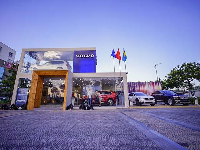 Volvo Việt Nam mang showroom di động đến hai TP. Lào Cai và Vinh
