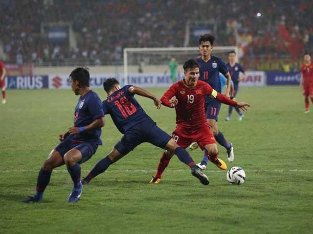 Quang Hải thăng hoa ở Hà Nội FC: Thầy Park mừng hay lo? - 3
