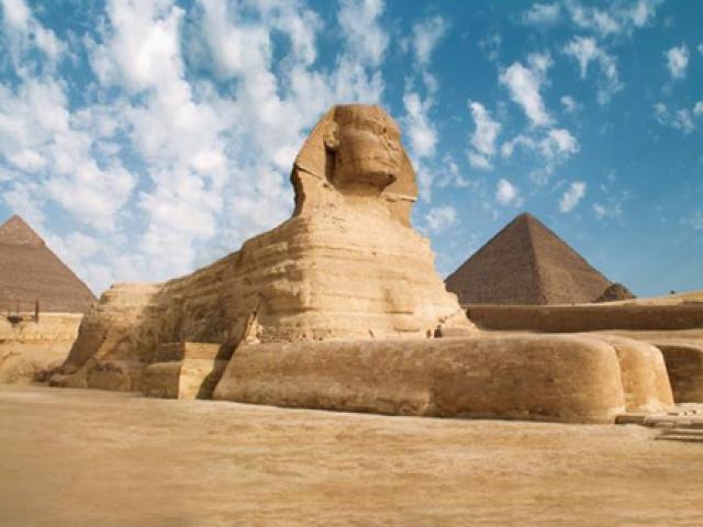 """Những bí ẩn """"hại não"""" về kim tự tháp Ai Cập"""