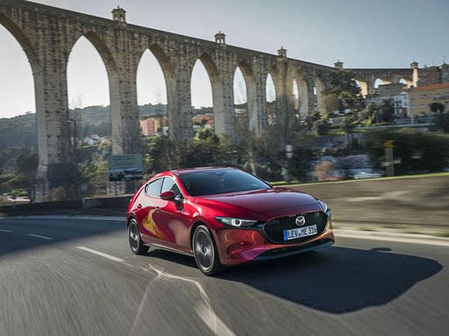 Sự xuất hiện của Mazda3 thế hệ mới liệu có khiến ngôi vương của Toyota Corolla Altis bị lung lay? - 4