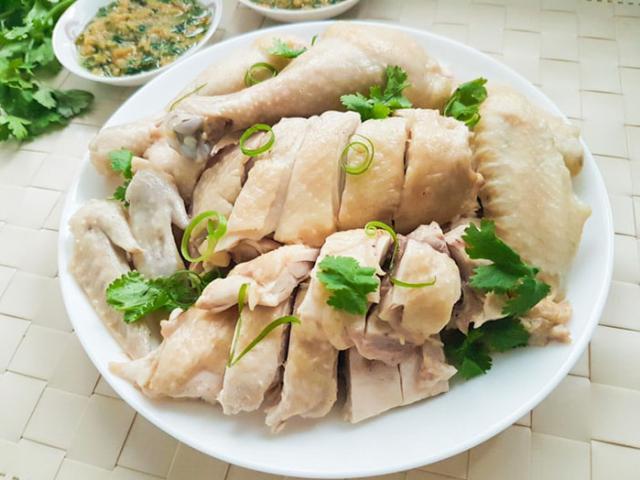 """Thịt gà rất ngon và bổ nhưng nếu ăn quá nhiều có thể gây ra những """"thảm họa"""" sức khỏe này"""