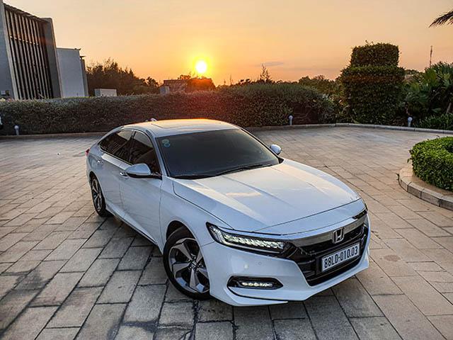 Điểm qua những mẫu xe sedan hạng trung trong tầm dưới 1,4 tỷ đồng