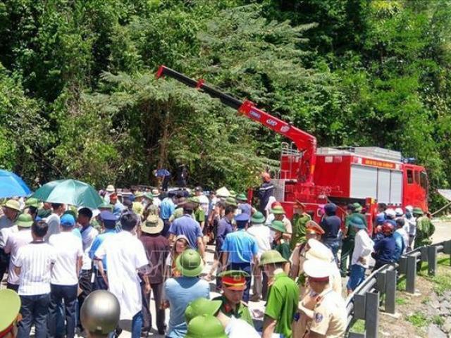 Nguyên nhân vụ lật xe du lịch, 9 người tử vong ở Quảng Bình