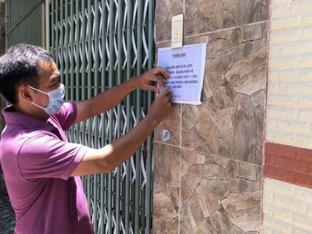 Hai gia đình ở Quảng Ngãi dán thông báo tự cách ly, xin hàng xóm không lại gần