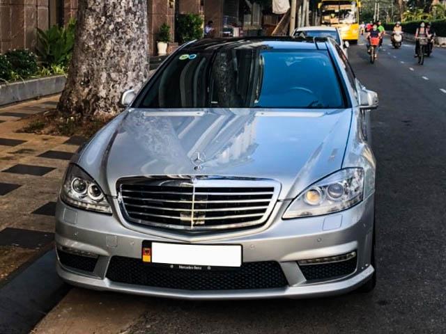 Mercedes-Benz AMG S63 tuổi đời 13 năm, rao bán ngang xe Camry mới