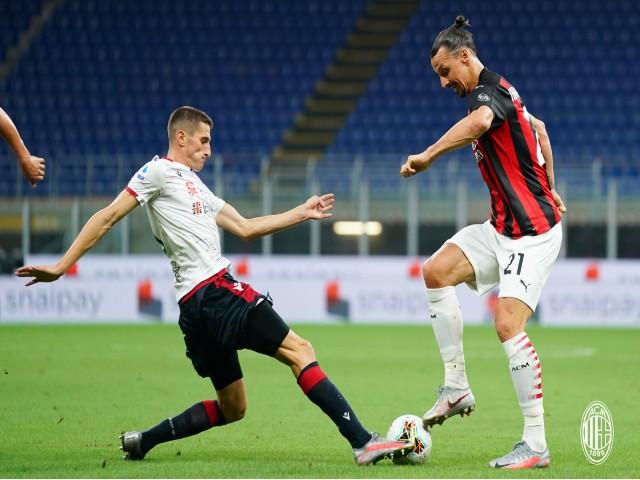 Ibrahimovic U40 khoe thân hình khủng: Có thể tái xuất Ngoại hạng Anh gây sốc - 3