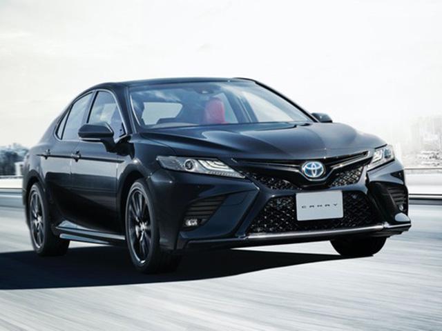 Ra mắt Toyota Camry bản đặc biệt kỉ niệm 40 năm, giá 922 triệu đồng