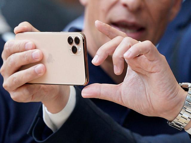 """iPhone vẫn là """"mỏ vàng"""" của Apple tại quốc gia tỷ dân"""