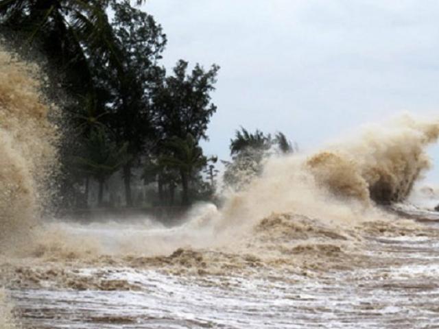 Bão số 5 diễn biến nguy hiểm, Thủ tướng yêu cầu địa phương chủ động cấm biển
