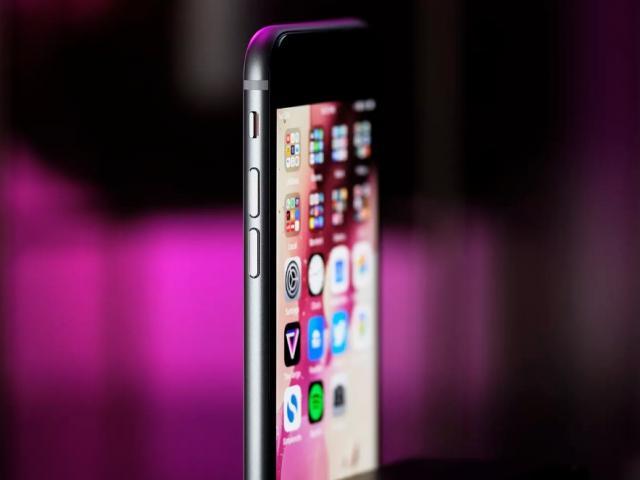 Bỏ ngay iPhone 7 để mua chiếc iPhone vừa rẻ lại mạnh ngang iPhone 11 này