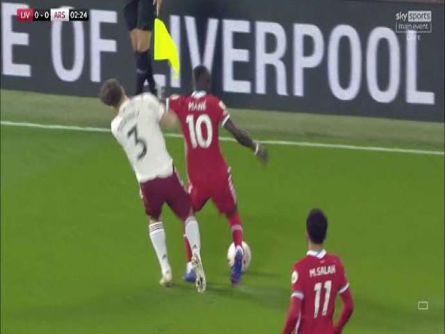MU - Tottenham chịu bàn thua oan, Ngoại hạng Anh sửa luật thổi penalty - 3