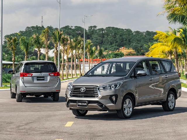 Lần đầu tiên Toyota Innova xuất hiện trong top 10 xe bán chậm nhất tháng