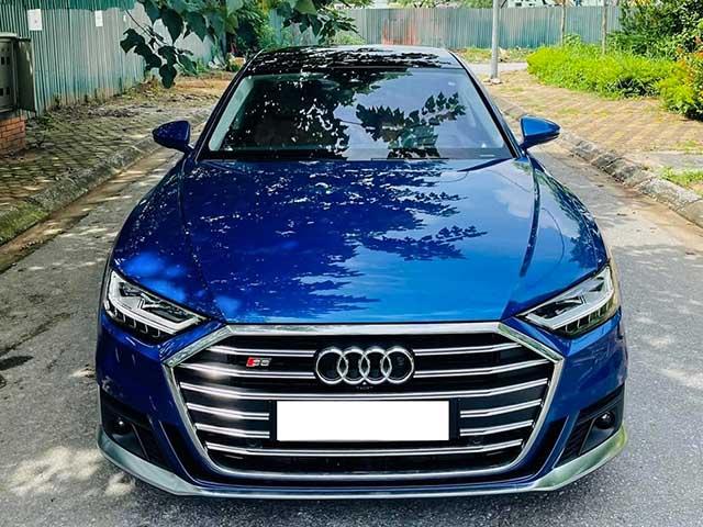 Soi hàng hiếm Audi S8 động cơ V8 tại Việt Nam