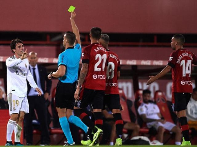 """Zidane """"ngồi trên lửa"""" ở Real: Perez ra tối hậu thư, CĐV cầu cứu Mourinho - 2"""