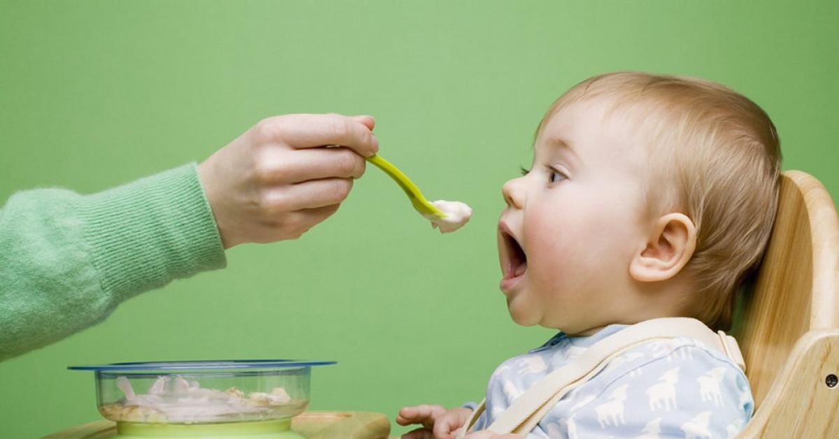 Cách ăn dặm vừa đủ chất cho trẻ, vừa khiến bé 'ăn thun thút'