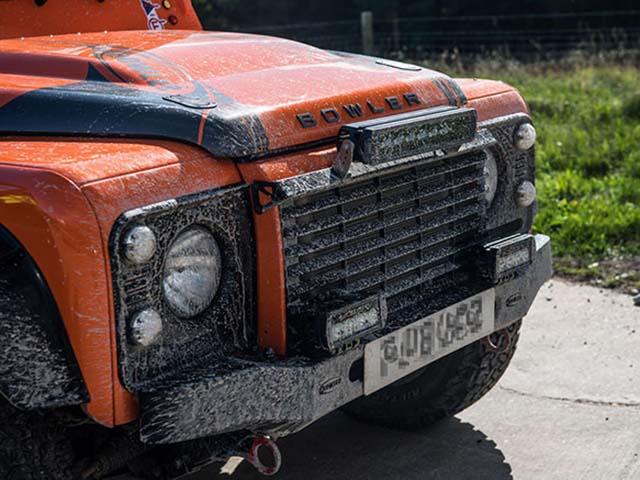 Hãng độ xe Bowler chính thức về tay Jaguar Land Rover