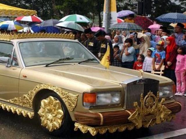 Vị vua giàu nhất châu Á: Sở hữu tới 600 chiếc siêu xe Rolls-Royces