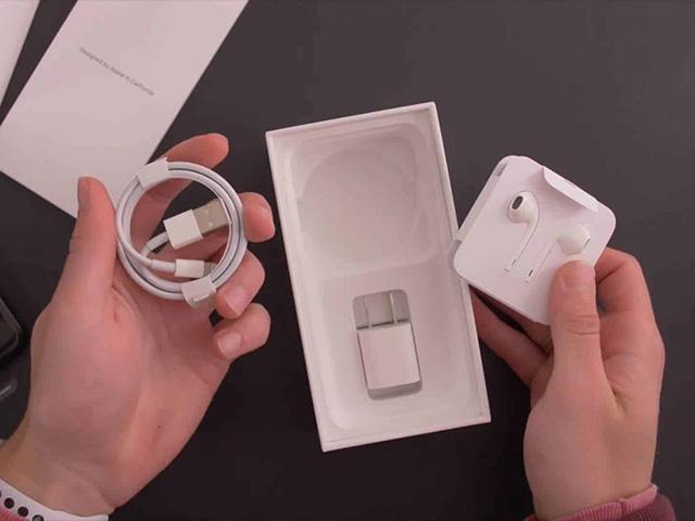 Xiaomi chế giễu Apple sau khi ra mắt iPhone 12