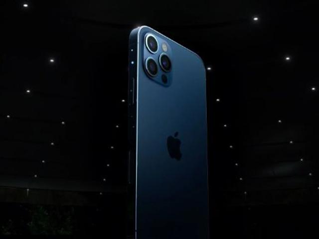 """Bất ngờ với lời khuyên của chuyên gia khi muốn """"tậu"""" iPhone 12 Pro"""