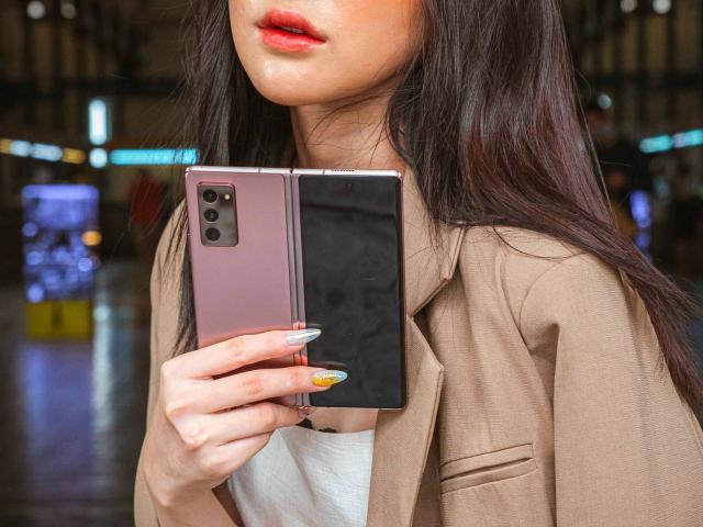"""Top smartphone sạc nhanh """"thần tốc"""" đang được bán ở Việt Nam"""