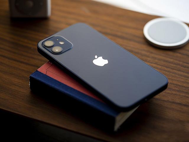 Mưu đồ với iPhone mới, Apple liền hưởng trái ngọt