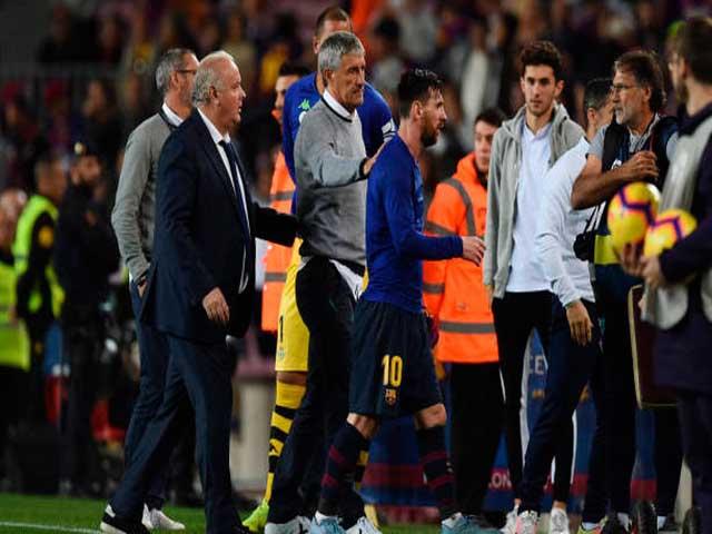 """""""Ông trùm"""" Messi phủ bóng ở Barca: HLV Setien nói lời cay đắng"""