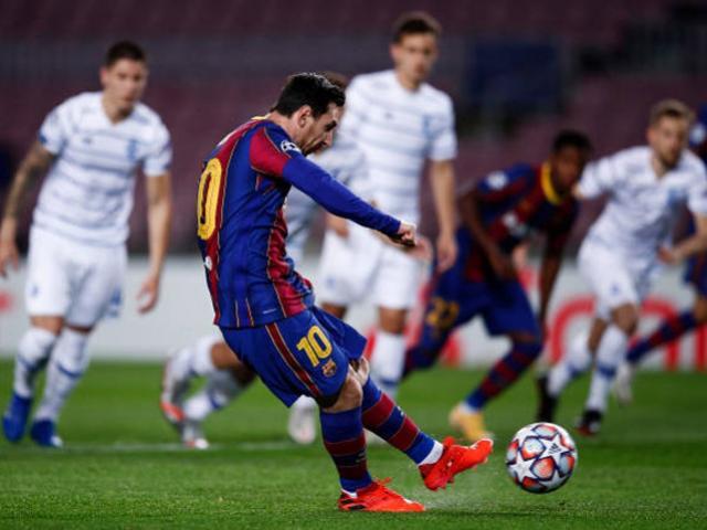 Messi lại xé toang lưới từ chấm 11m, phá dớp buồn cúp C1 sau gần 4.000 ngày