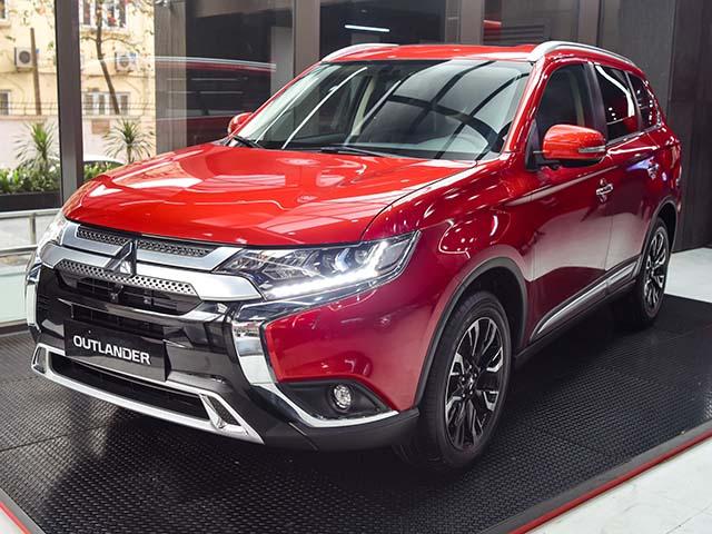 Mitsubishi Outlander đang được ưu đãi gần 100 triệu đồng