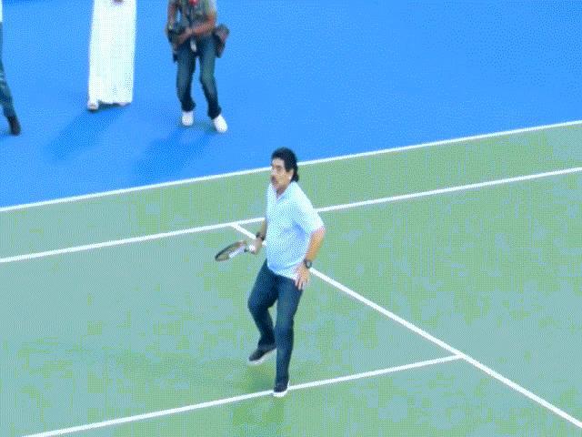 Maradona và kỷ niệm chơi tennis tung cú thuận tay hạ Potro