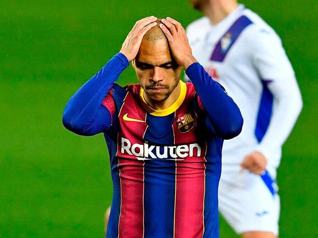 """Barcelona """"hụt hơi"""" đua vô địch La Liga: Khi Nou Camp không còn là """"pháo đài"""""""