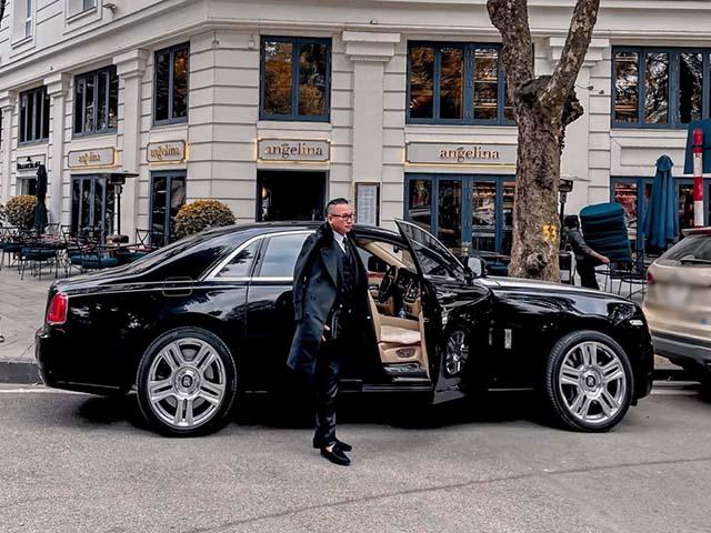 Xôn xao tin đại gia Hà Nội tuyển tài xế lái Rolls-Royce lương 14 triệu