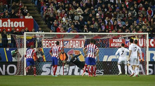 Derby Madrid: Atletico & cơn ác mộng phạt đền