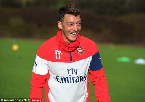 Arsenal - Stoke: Chờ hiệu ứng Ozil